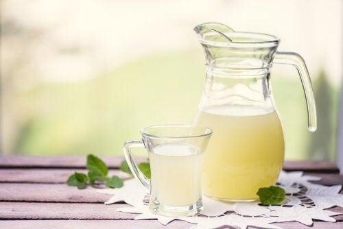 Siero del latte: benefici nutrizionali e alternative