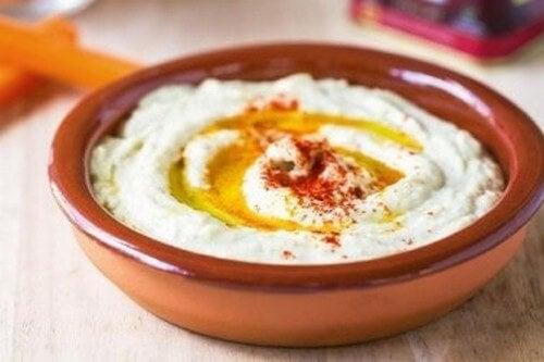 Hummus di ceci con paprika