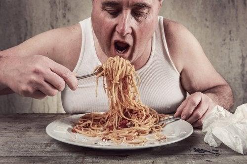 Mangiare velocemente influisce sul peso?