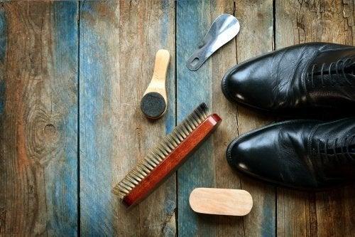 Pulire le scarpe di pelle grazie ad alcuni utili consigli