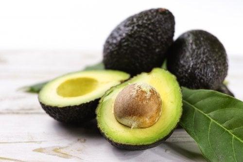 Ricette salutari con l'avocado, il re della frutta tropicale