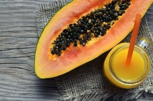 Smoothies di papaya, 3 ricette per la merenda