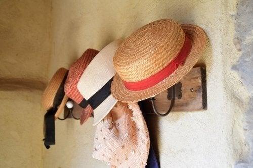Appendi cappelli fai-da-te per la casa