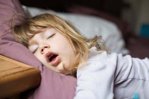 Disturbi del sonno nei bambini: esami e terapia