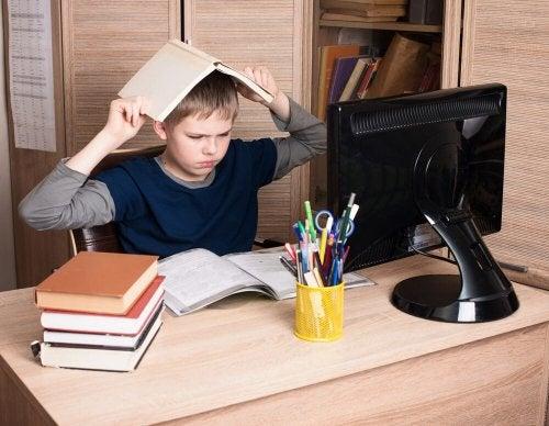 Bambino con disturbo oppositivo provocatorio che non vuole studiare
