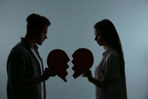 Distruggere la relazione di coppia