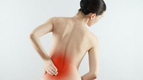 Donna con dolore lombare