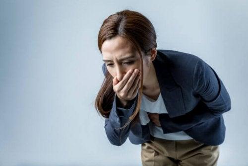 Donna con vomito