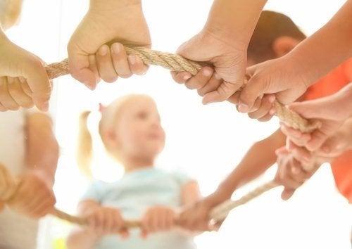 Gioco cooperativo: 5 grandi benefici per i bambini