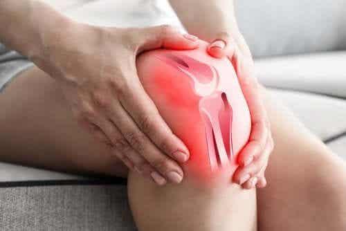 Osteoartrite del ginocchio: perché causa dolore?