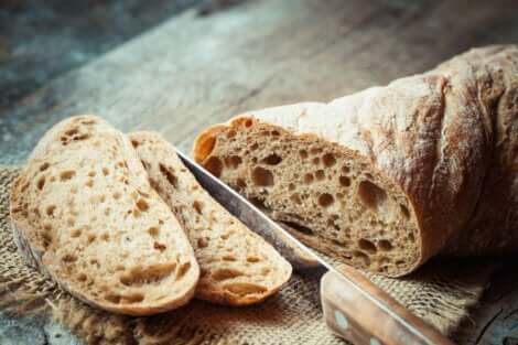 Fette di pane integrale.