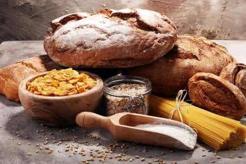 Ridurre i carboidrati nella dieta: 6 trucchi
