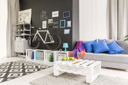 Arredare il soggiorno con materiali riciclati