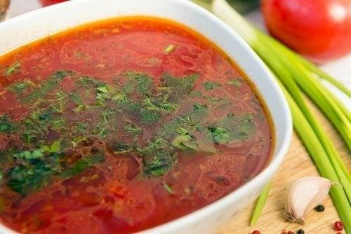 Zuppa all'aglio: 3 ricette facili da preparare