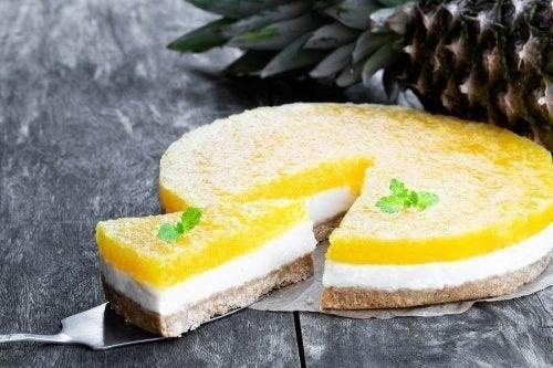 Cheesecake senza cottura alla piña colada