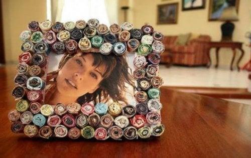 Cornici per foto con carta riciclata