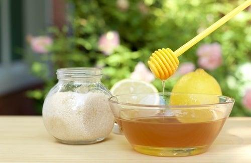 Scrub allo zucchero e miele