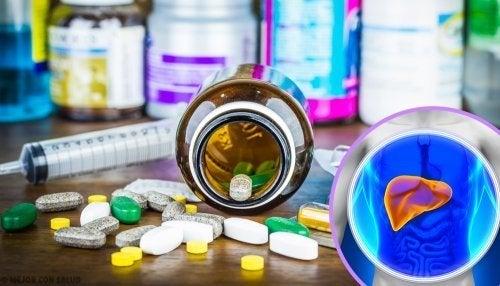 Farmaci e siringa