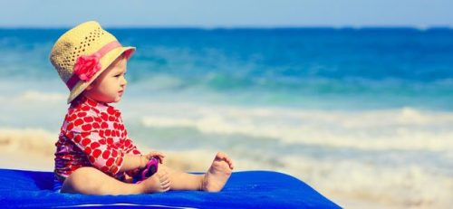 Proteggere la pelle dei bambini in estate