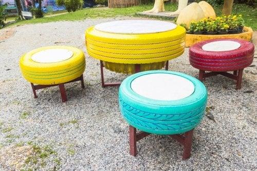 Pouf realizzati con vecchi pneumatici