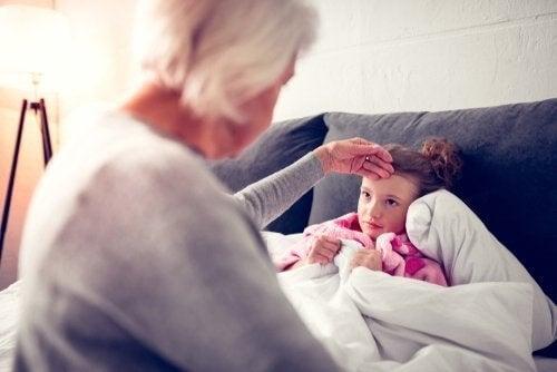 Rinofaringite nei bambini: cause, sintomi e cura