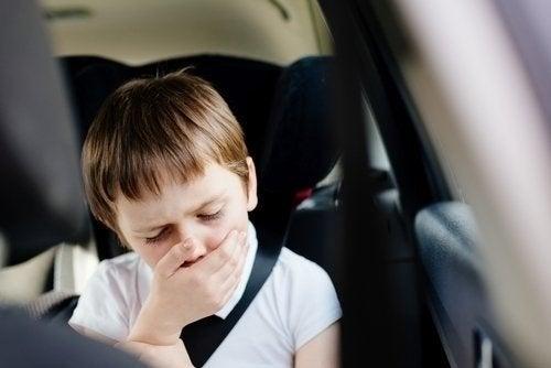 Mal d'auto: perché ne soffriamo?
