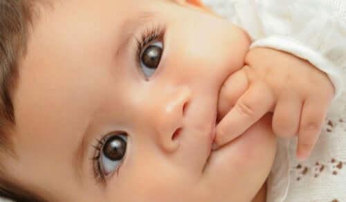 Far ridere un neonato, come riuscirci?