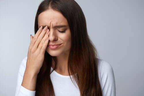 Pterigio: cause, sintomi e trattamento