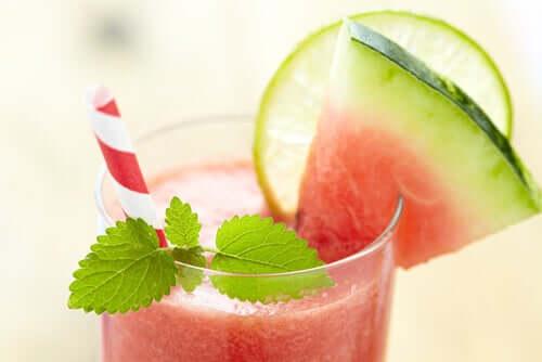 Frullato di anguria tra i frullati a basso contenuto calorico