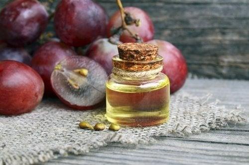 Crema antirughe all'olio di vinaccioli: da provare!