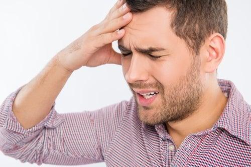 Mal di testa, effetto collaterale della brimonidina