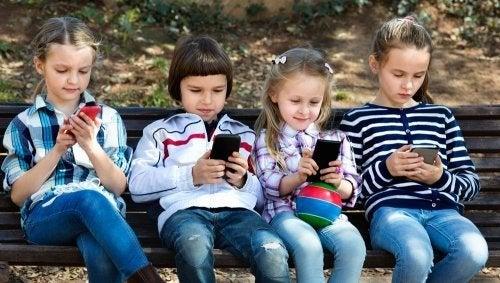 Bambini del XXI secolo e tecnologia