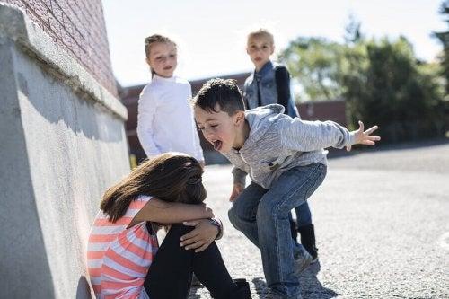 Aggressioni verbali a scuola