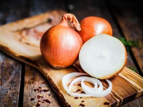 Cipolle bianche per trattare la otite