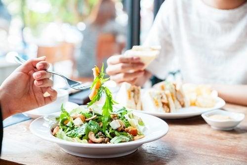 Dieta flessibile per perdere chili, non la testa
