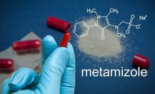 Metamizolo: impieghi ed effetti collaterali