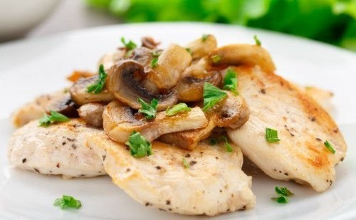Pollo gratinato ai funghi: una deliziosa ricetta