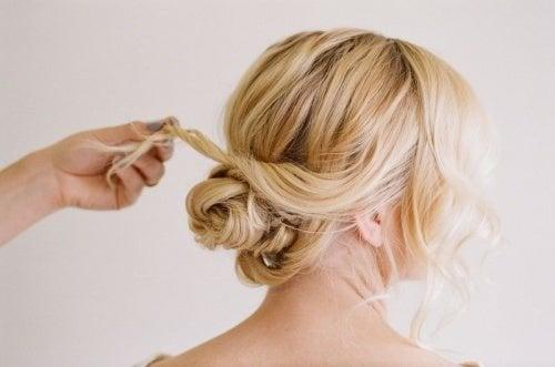 Acconciatura capelli raccolti