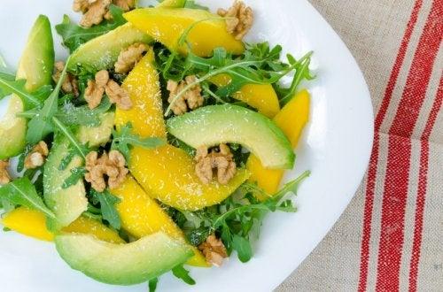 Insalata mista con mango