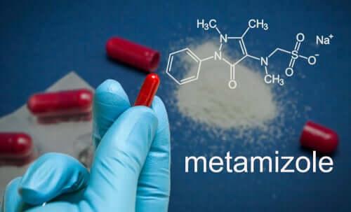 Struttura chimica del metamizolo