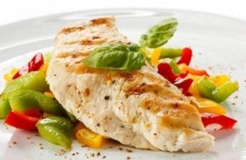Petto di pollo con verdure: tenero e gustoso