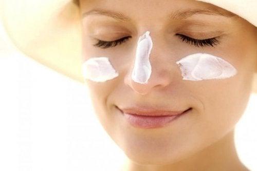 Proteggere la pelle dalle radiazioni solari