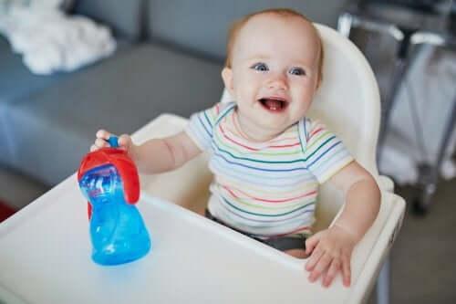 Idratazione del neonato in estate: utili consigli
