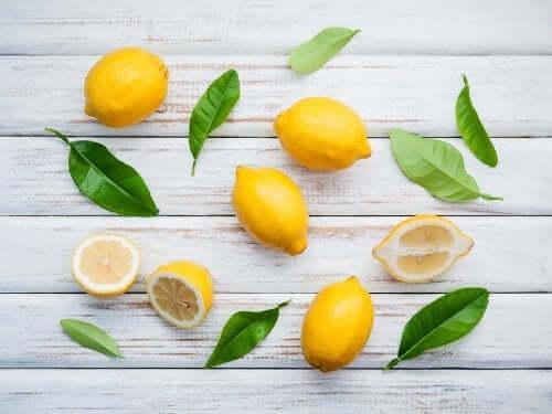 Le proprietà del limone e rimedi naturali