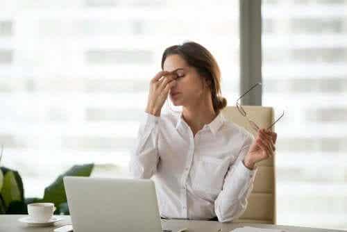 Affaticamento visivo digitale: effetti nocivi degli schermi