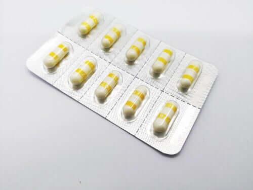 Blister con pillole di ampicillina