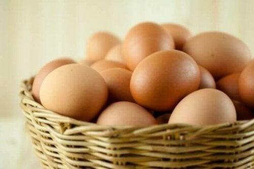 Alimenti ricchi di biotina, le uova