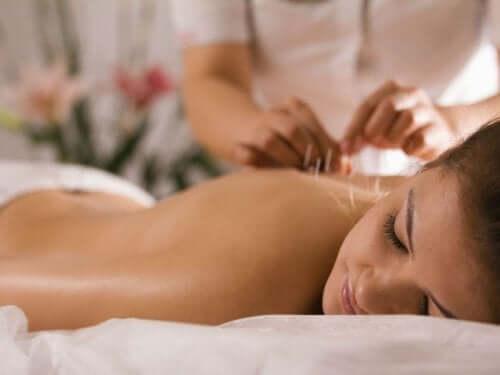 Attenuare i sintomi della fibromialgia con l'agopuntura