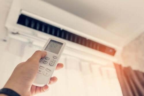 Regolare la temperatura del condizionate per proteggere lo ambiente