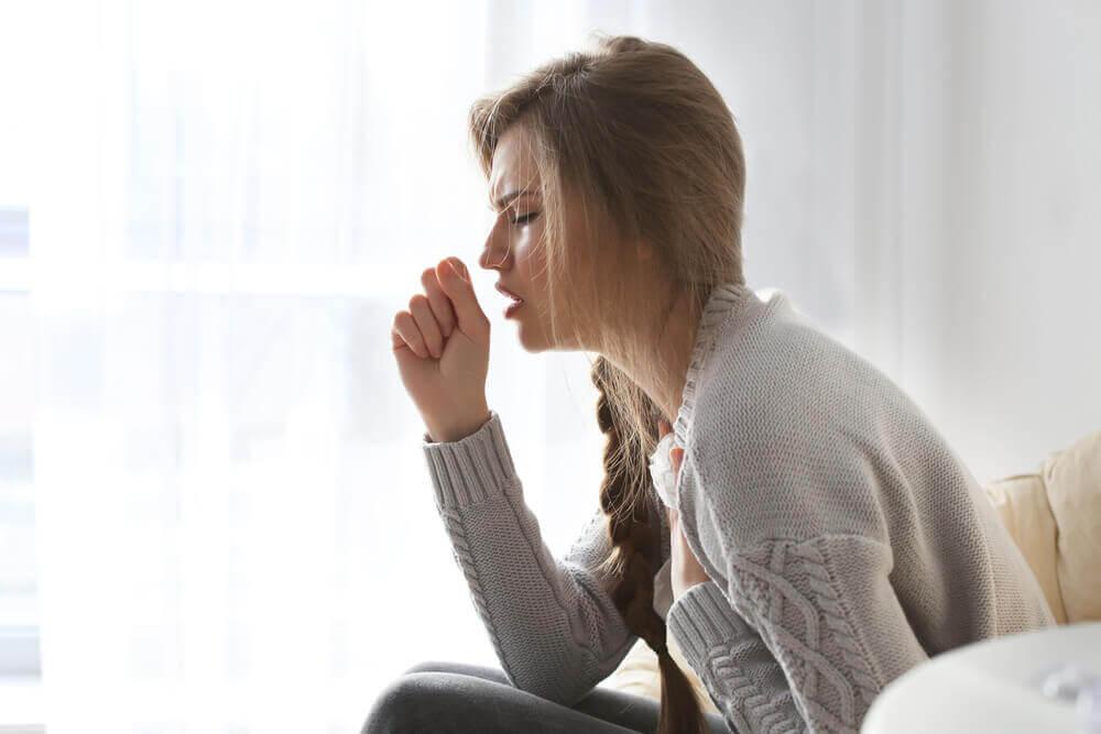 Donna con la tosse